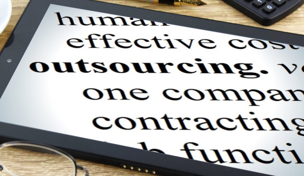Advice on When and How You Should Outsource a Business